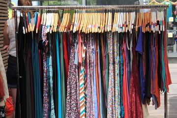crociere di vestiti feminili
