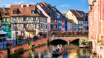 Fototapete - Beautiful romantic city Colmar, part with canals