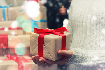gift giving hand new year