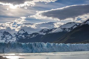 Gletscher Perito Moreno im Gegenlicht