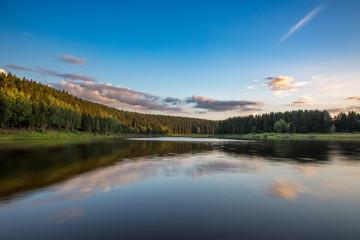 Mandelholz-Talsperre im Harz zum Sonnenuntergang