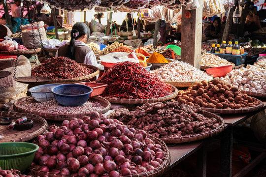 Myanmar - Maymyo Market