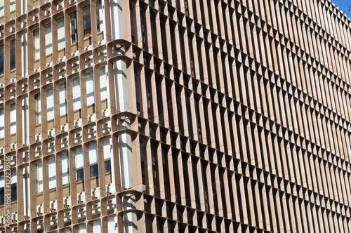 Fa ade d 39 immeuble moderne lisbonne portugal photo for Facade immeuble moderne