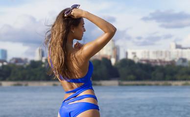 Видео красивых девушек в купальниках на пляже фото 233-296