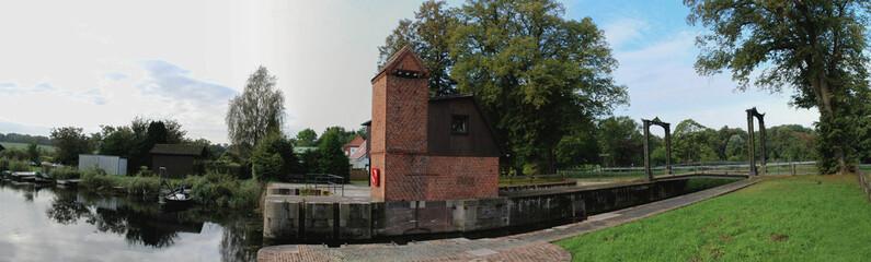 Eiderkanal - Panorama Historische Schleuse Kluvensiek in Schleswig-Holstein