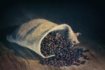 Wall Murals Coffee beans grains de café dans un sac