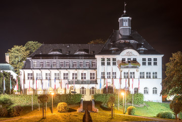 Beleuchtetes Rathaus Klingenthal/Vogtland