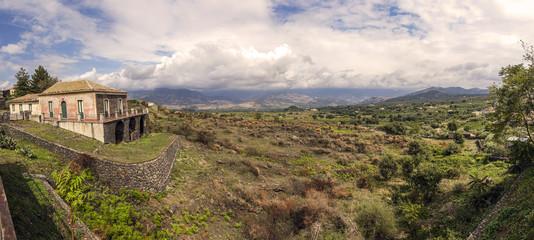 foto panoramica della vallata dell'etna
