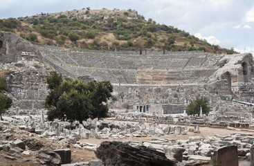 efes taş tiyatro