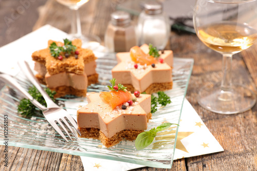 Christmas canape with gingerbread and foie gras stock for Foie gras canape