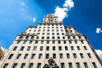 Das Edificio Telefónica an der Gran Vía in Madrid, Spanien