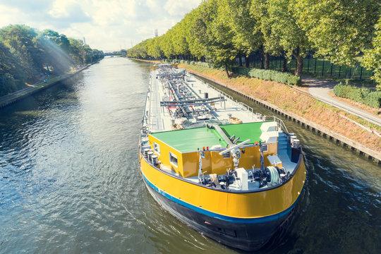 Flüssiggastanker - Flusschiff