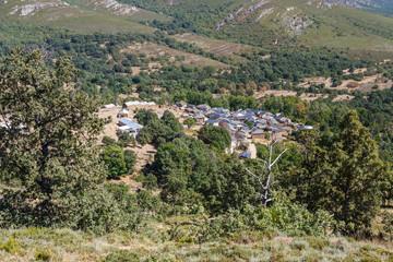 Pueblo de Pozos, Sierra de la Cabrera, León.