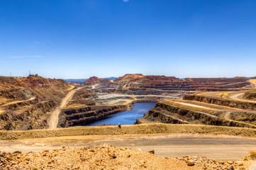 Corta minera de RioTinto alejada