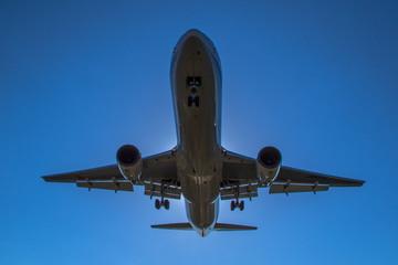 青空と飛行機