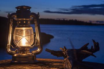 Petroleumlampe auf Schäre