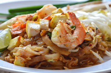 Pad Thai stir fried rice noodle with shrimp and egg on dish