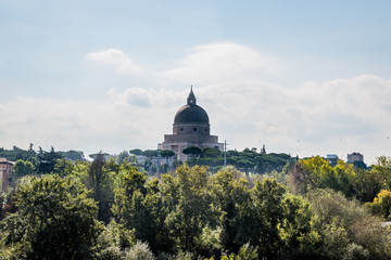 La basilique de Santi Pietro e Paolo