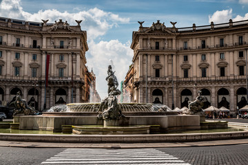 La fontaine de Naïades à Rome
