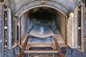 Vecchio forno crematorio di un campo di concentramento