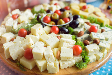 Arranged white cheese and tomato