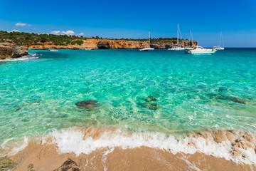 Urlaub Sommer Meer Türkis Wasser Bucht Cala Varques Spanien Mallorca