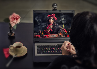 Witch makes deadly curse ritual in internet