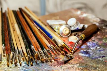 Artistic equipment
