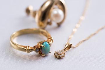 antque jewelry