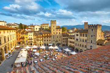 AREZZO,ITALY-APRIL 18,2015: The central square of Arezzo during the fair