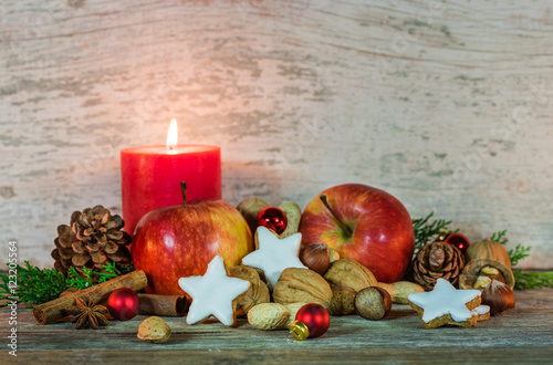 weihnachten essen pfel pl tzchen n sse stockfotos und. Black Bedroom Furniture Sets. Home Design Ideas