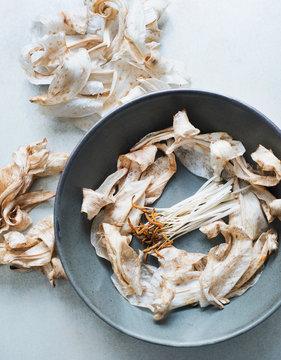 Crocus stigma and petals in bowl