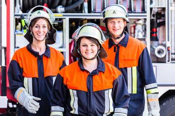 Gruppenfoto von Feuerwehrleuten