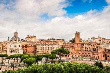 Vu sur la Rome Antique, les marchés de Trajan et le Forum Romain