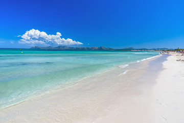 Fototapete - Pier at Playa Muro - beautiful beach on Mallorca, balearic island of spain