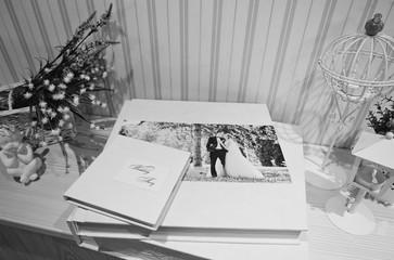 Twist white wedding photobook and album