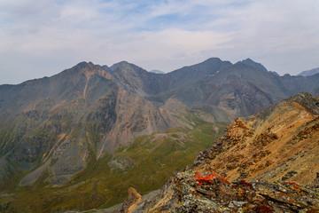 Foto auf Gartenposter Gebirge mountains valley rocks top