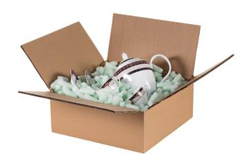 Obraz transpotring box with porcelain - fototapety do salonu