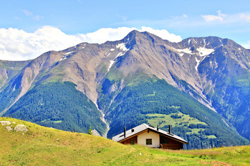 Wall Murals Europa Scenic view of the Swiss mountains