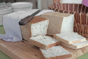 slice toast  bread on buffet line