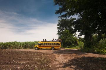 Transporte público en el área rural de Guatemala
