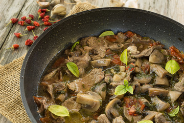 Stufato di manzo e funghi, beef and mushroom stew