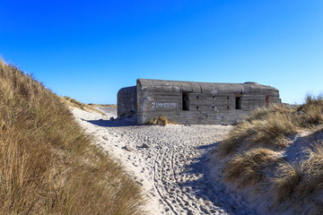 Wall Mural - Bunker am Strand von Skagen