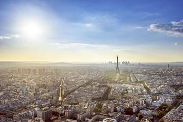 Belle journée ensoleillée sur Paris .