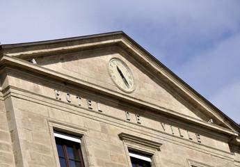 Hôtel de ville (fronton)
