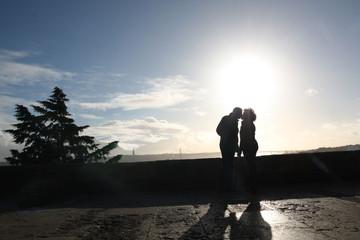 Lisbonne, les amoureux des remparts du château Saint Georges