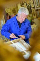 artist making a frame
