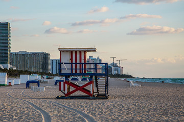 Fotobehang Inspirerende boodschap Lifeguard tower in South Beach, Miami with the colors of the american flag