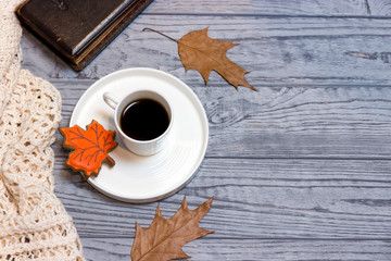 Black coffee, knitwear and gingerbread maple leaf