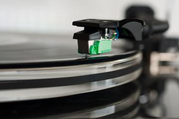 Plattenspieler, Fokus auf den Tonabnehmer